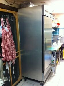 True T-23 Stainless Fridge Cambridge Kitchener Area image 3
