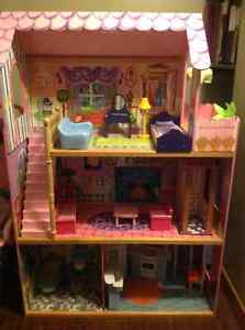 Doll house with elevator London Ontario image 2