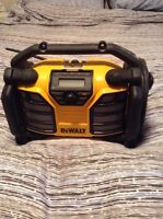 20V Lithium Ion Radio/Battery Charger
