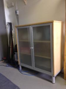 Meuble de bureau en bois, verre et aluminium