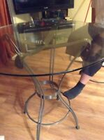Glass bar style table with 4 chairs!