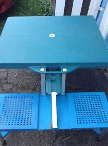 Collapsible Picnic Table...Folds Into A Briefcase! Kitchener / Waterloo Kitchener Area image 4