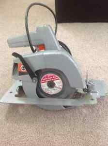Black and Decker circular saw London Ontario image 2