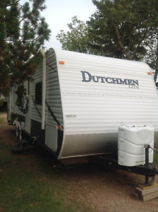2010.  Dutchmen Lite 28GGS TRAVEL TRAILER