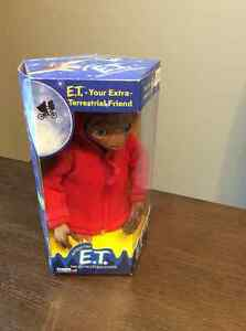 ET Furby by Tiger Electronics