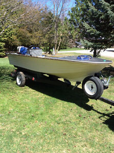 30hp Fiberglass boat with trailer