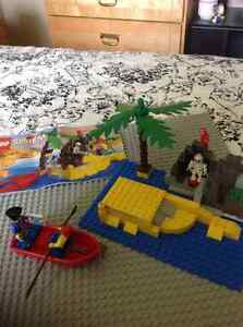 Vintage Lego Pirates #6254 Rocky Reef (reduced)