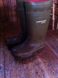 Dunlop boot