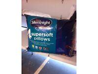 Pack 4 Silentnight pillows