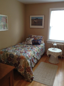 Sunny Beautiful Furnished ROOM West End June -Aug or later