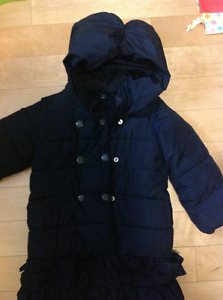 Beautiful navy Gap size 4 puffy warmest girl coat winter jacket