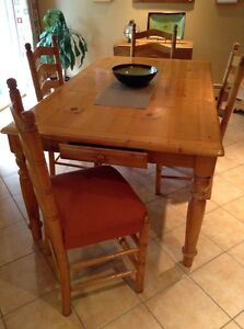 DINING ROOM TABLE & CHAIRS - SPRING SOFTWOOD SALE