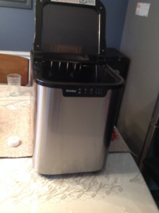Danby Counter Top Ice Machine