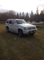 1995 Jeep grand Cherokee limited LOW KM!
