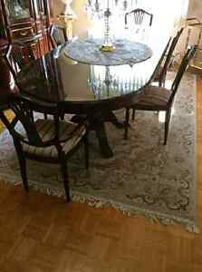 Italian mahogany dining table with 6 chairs