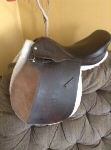 """15"""" English saddle"""