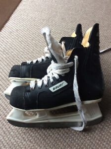 Bauer Charger Skates Size 5 youth