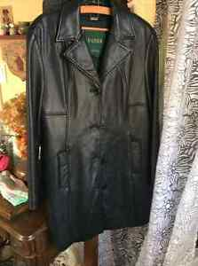 Danier black leather coat XL- removable lining Kitchener / Waterloo Kitchener Area image 2