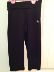 Girls size medium Adidas capris - like new condition