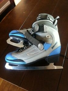 SHER-WOOD ICE SKATES FOR LADY