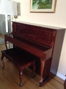 Piano Gorgeous ! Like new Salmon Arm BC