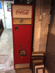 Cavalier Coca Cola vending machine
