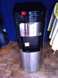 Black And Decker Hot and Cold Water Cooler and Cleaners