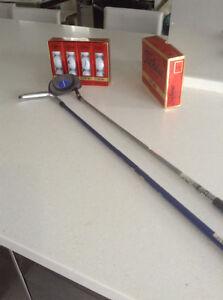 2 Batons de golf pour enfants grandeur6-8 Et 12 balles Fitleist.