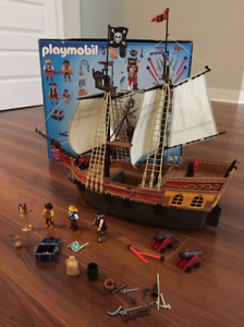 PLAYMOBIL # 5135 Bateau de pirates