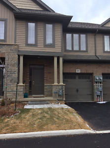 Stoney Creek Townhouse by the Lake