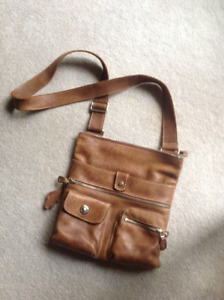 Roots purse / shoulder bag great for a.Christmas gift!