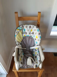 Rehausseur ou chaise haute fisher price