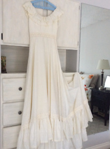 """1970's Vintage Gown Perfect for """"BoHo """" Themed Wedding -"""