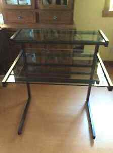 Solid tubular tempered glass desk Cornwall Ontario image 1