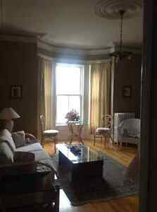Furnished Apartment close to Uptown