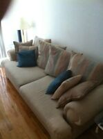 Sofa, clean and comfy. Seat pillows unzip and washable!