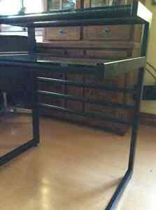 Solid tubular tempered glass desk Cornwall Ontario image 2