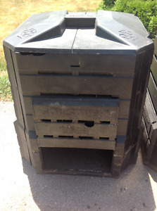 "COMPOST CONTAINERs ""SOIL SAVER"" 28"" X 28"" X 30"" - $45 each Oakville / Halton Region Toronto (GTA) image 4"
