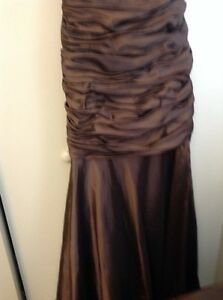 Very elegant metallic brown prom/ special occasion dress London Ontario image 3