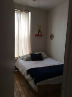 Cozy room fully furnished 12 walk downtown