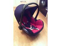 Maxi cosi car seat and new born insert