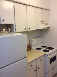 Furnished 2 bedroom condo in quiet building