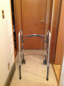 Bariatric Walker with front wheels