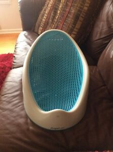 Angel care baby bath tub in new condition