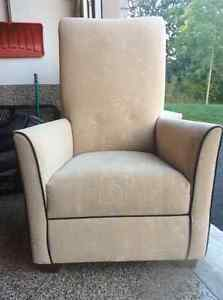 High back accent chair Cambridge Kitchener Area image 1