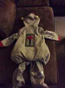 Old Navy Robot costume size 4T/5T Kitchener / Waterloo Kitchener Area image 2