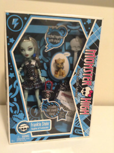 Monster High - Frankie Stein with Pet -  Wave One - NIB