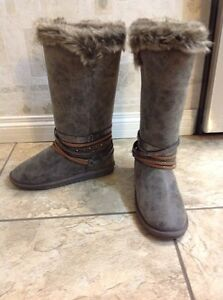 Like new, fur lined Boots - size 7.5 - 8