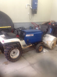 1977 FORD LGT 165 Lawn tractor with snow blower
