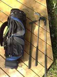 Kids golf bag and 3 clubs Windsor Region Ontario image 1